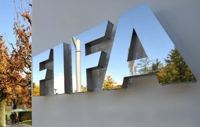Арестованные чиновники ФИФА обвиняются во взятках на сумму более 150 млн долларов