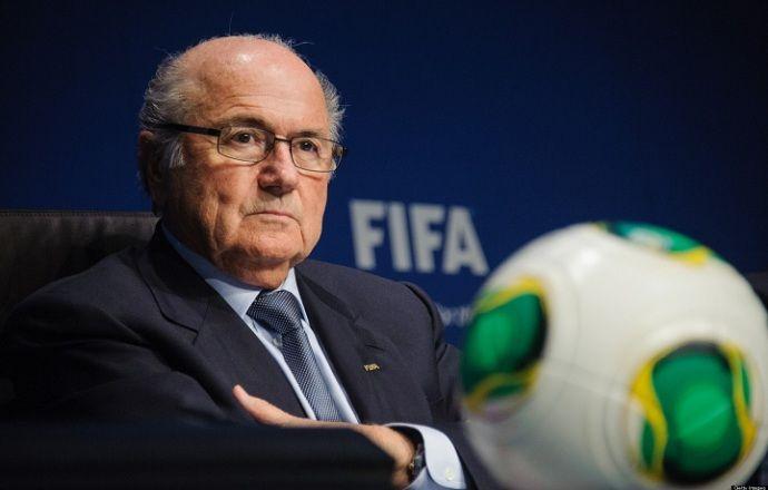 """Йозеф Блаттер: """"Я уверен, что смогу разрешить ситуацию и вернуть ФИФА доброе имя"""""""