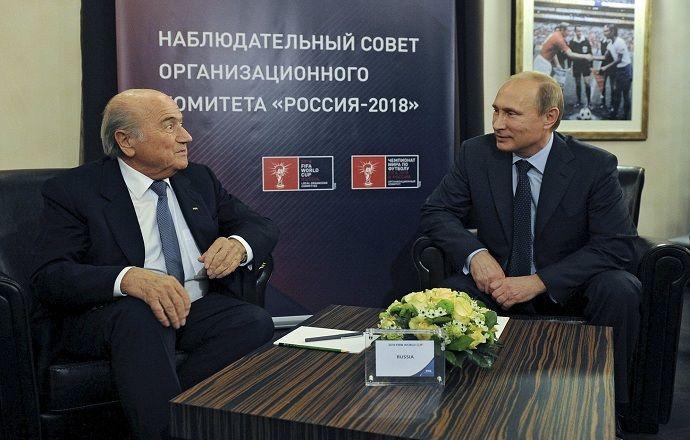 Немецкие СМИ: инвестициями в Россию Блаттер мстит США