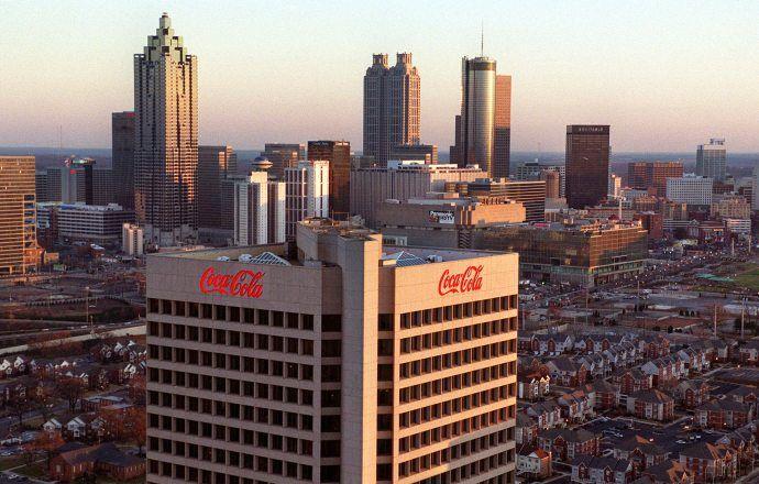 """Компания Coca-Cola: """"Уход Блаттера — позитивный шаг для спорта"""""""