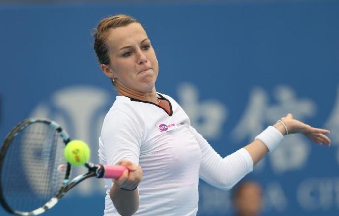 Павлюченкова и Янкович проиграли в финале теннисного турнира в Хертогенбосе в парах