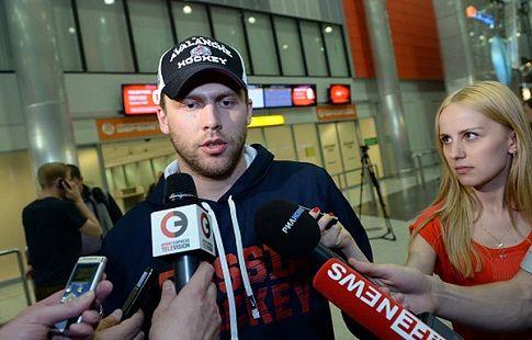 "Варламов признан первой звездой предсезонного матч НХЛ за ""Колорадо"""