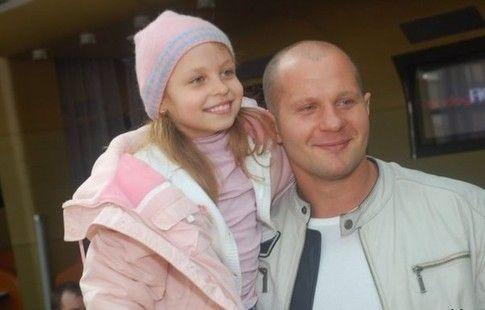 Полиция не связывает нападение на дочь Емельяненко с его конфликтом с Кадыровым