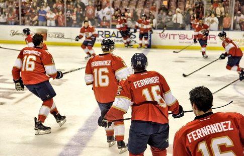 """Игроки """"Флориды"""" почтили память погибшего бейсболиста перед матчем НХЛ"""