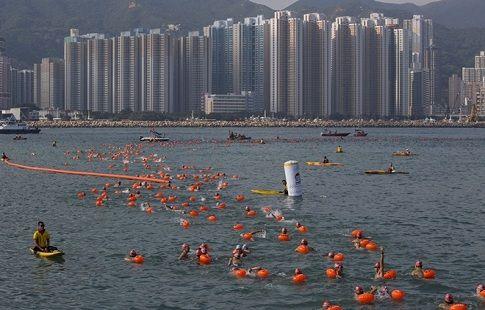 Во время ежегодного заплыва в Гонконге погиб спортсмен