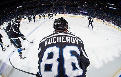 НХЛ. Никита Кучеров избежал сотрясения и вернётся в строй на днях
