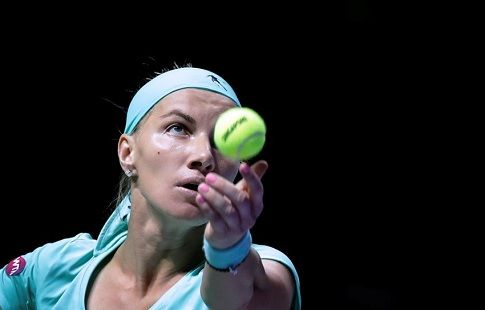 Светлана Кузнецова проиграла в полуфинале Итогового турнира
