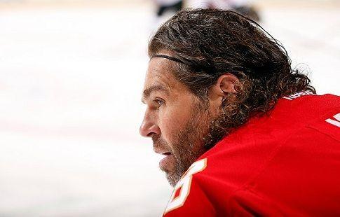 Яромир Ягр поднялся на шестое место в истории НХЛ по числу матчей