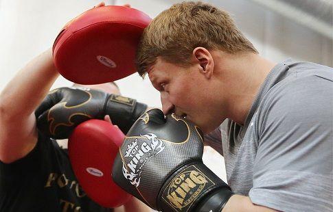 WBC объявил, что бой между Поветкиным и Стиверном состоится 17 декабря