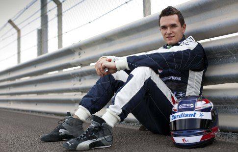Алёшин финишировал 12-м в гонке IndyCar в Лонг-Бич