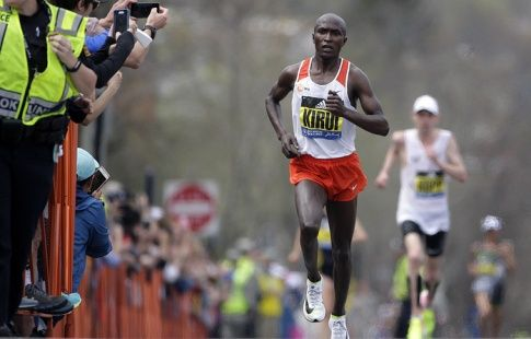 Кенийцы Кируи и Киплагат выиграли Бостонский марафон