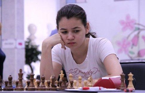 Российская шахматистка Горячкина идёт второй после восьми туров на чемпионате Европы