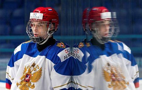 Российские юниоры выходят в полуфинал благодаря победной шайбе в овертайме
