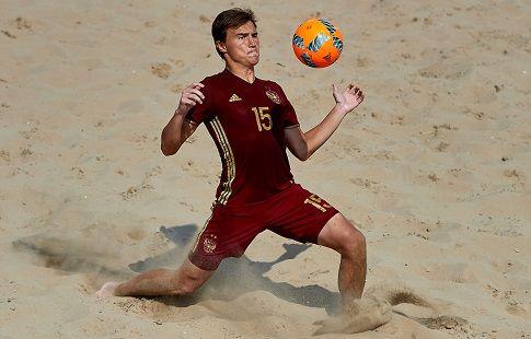 Россияне минимально обыгрывают немцев на этапе Евролиги по пляжному футболу