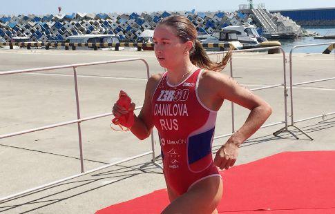 Елена Данилова и Анастасия Абросимова вошли в десятку на ЧЕ по триатлону