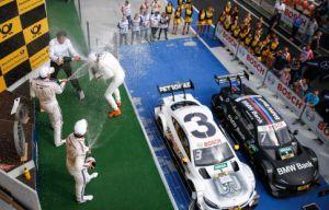 Маро Энгель выиграл вторую гонку DTM в Москве