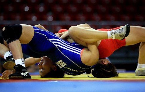 Ахмедов и Мусаев победили в первый день юниорского ЧМ по вольной борьбе
