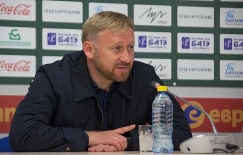"""Александр Ермакович: """"Очень важно сыграть надёжно в обороне, а также агрессивно и дерзко - в атаке"""""""