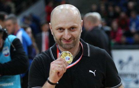 """""""Дина"""" объявила о расставании с главным тренером Зоидзе"""