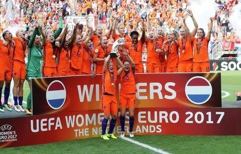 Голландские футболистки впервые в истории завоевали золото чемпионата Европы
