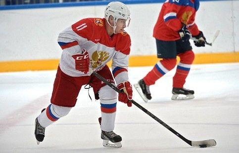 """Путин и хоккеисты суперсерии-72 пообщаются с учениками """"Сириуса"""""""