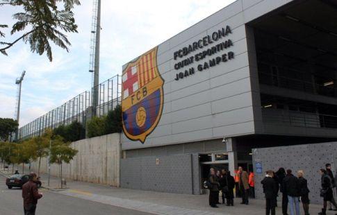 """Решение провести матч без зрителей стало одним из самых трудных для Бартомеу в """"Барселоне"""""""