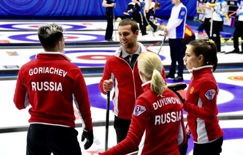 Россияне победили валлийцев и обеспечили себе выход в плей-офф ЧМ по кёрлингу в миксте