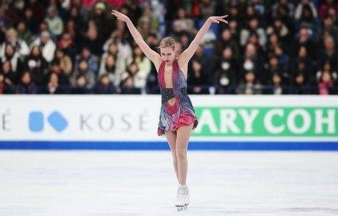 Погорилая снялась с показательных выступлений на Skate Canada