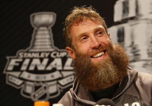 Торнтон набрал своё 1400-е очко в НХЛ, это 20-е место за всю историю лиги