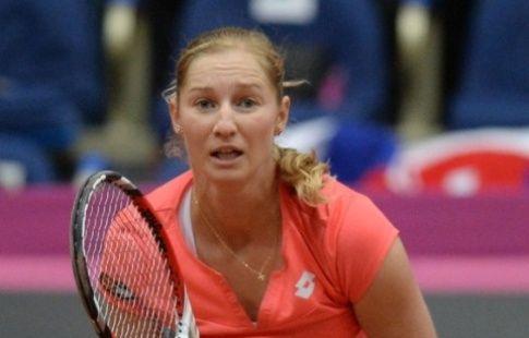 Макарова проиграла Цибулковой в первом круге турнира в Истбурне