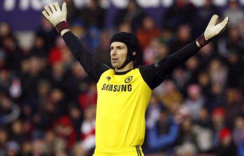 """СМИ: """"Челси"""" может вернуть Чеха в случае ухода Куртуа в """"Реал"""""""