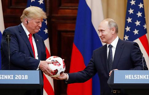 Спецслужбы США проверили мяч, подаренный Путиным Трампу