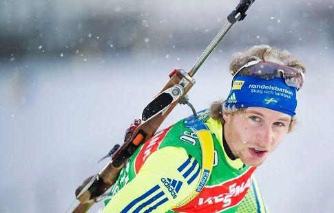 Олимпийский чемпион по биатлону Фемлинг насквозь пробил ногу лыжной палкой