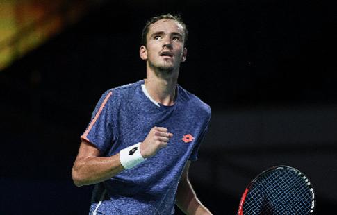 Медведев поднялся на 32-е место в рейтинге ATP
