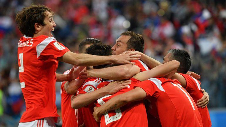 Сборная РФ по футболу прилетела в Лейпциг для подготовки к матчу против команды Германии
