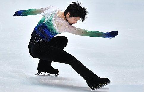 Ханю подвернул ногу на тренировке в Москве