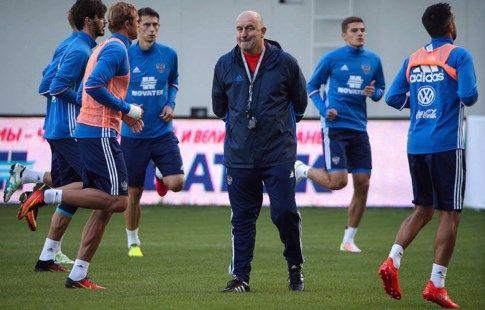 Дзюба возвращается в сборную России, Рауш покидает команду из-за травмы