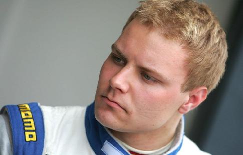 Боттас показал лучшее время во второй свободной практике Гран-при Абу-Даби, Сироткин был худшим