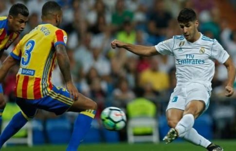 """""""Реал"""" одержал уверенную победу над """"Валенсией"""" на своём поле"""
