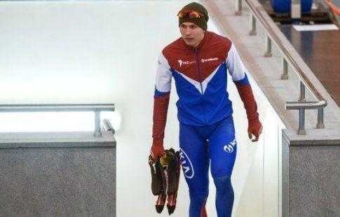 Кулижников выиграл золото на дистанции 500 метров на этапе Кубка мира