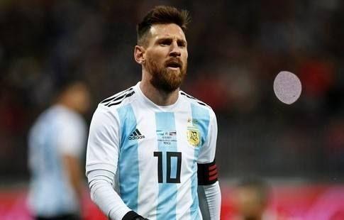 Глава Федерации футбола Аргентины уговаривает Месси вернуться в сборную