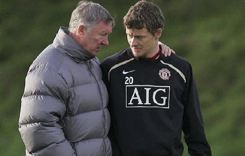 """СМИ: Фергюсон помогает Сульшеру выбирать состав на матчи """"Манчестер Юнайтед"""""""