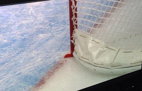 В Новосибирске во время хоккейного матча умер вратарь. СК РФ начал проверку
