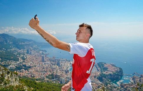 """""""Монако"""" поздравил Головина с днём рождения и назвал футбольным маэстро"""