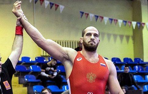 Борец-вольник Хизриев завоевал золото в категории до 125 кг на Европейских играх