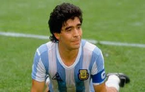 Диего Марадона поддержал Лионеля Месси