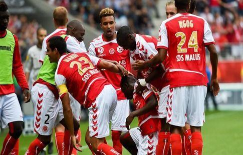 В чемпионате Франции прервали матч из-за оскорблений от болельщиков