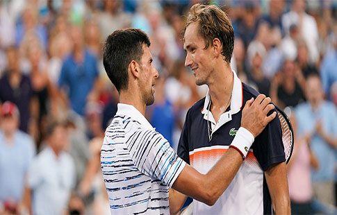 """Джокович: """"Медведева считают фаворитом US Open, он заслуживает этого"""""""