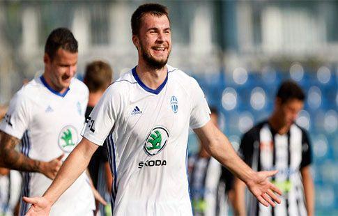 ЦСКА договорился о переходе Комличенко за 2,65 млн евро