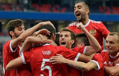 Россия отправилась в Глазго на матч с Шотландией. ФОТО